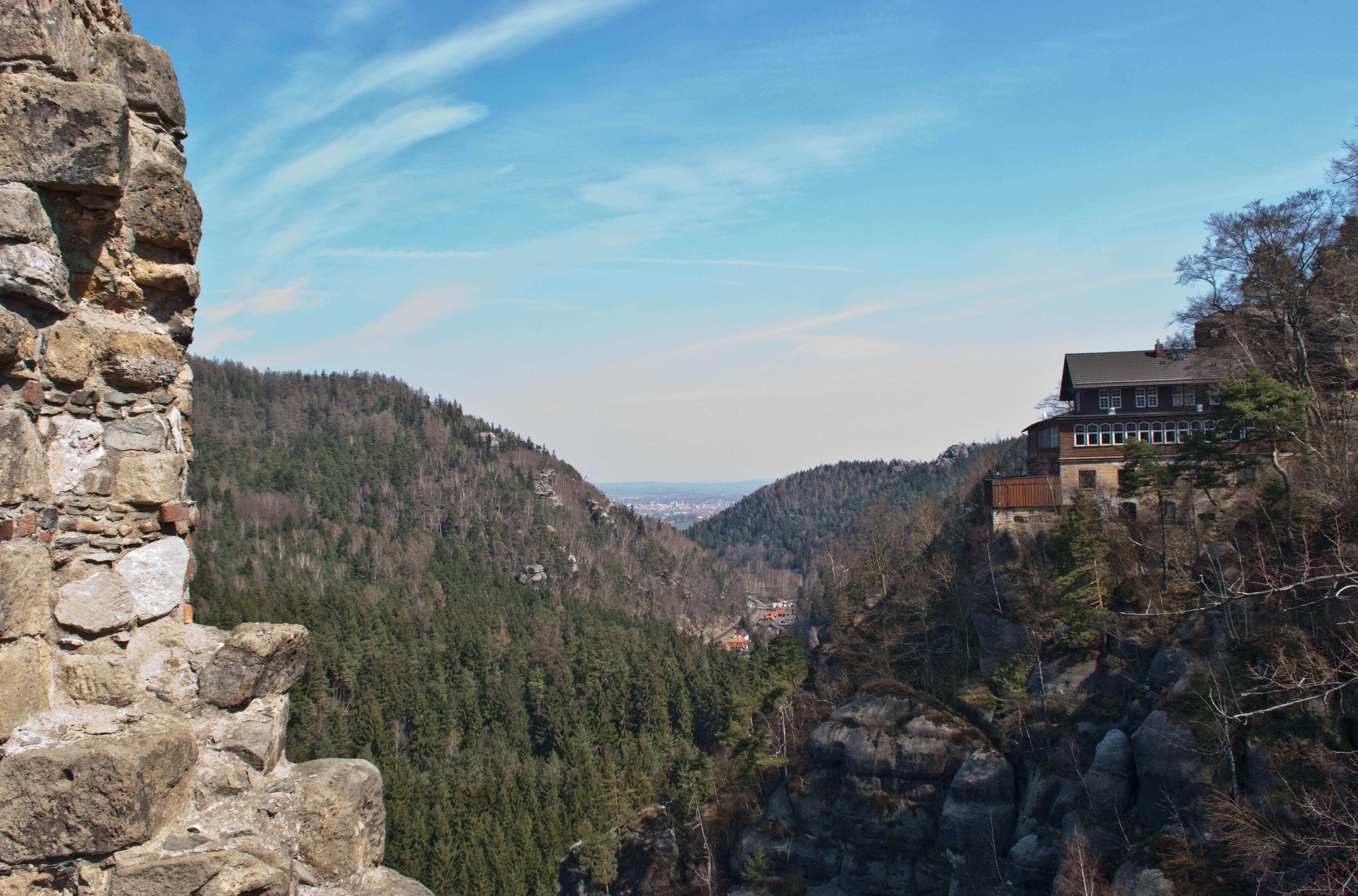 Blick von der Klosteranlage Oybin